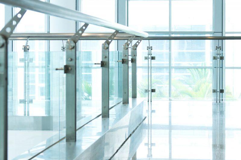 Glass balustrade in a modern office