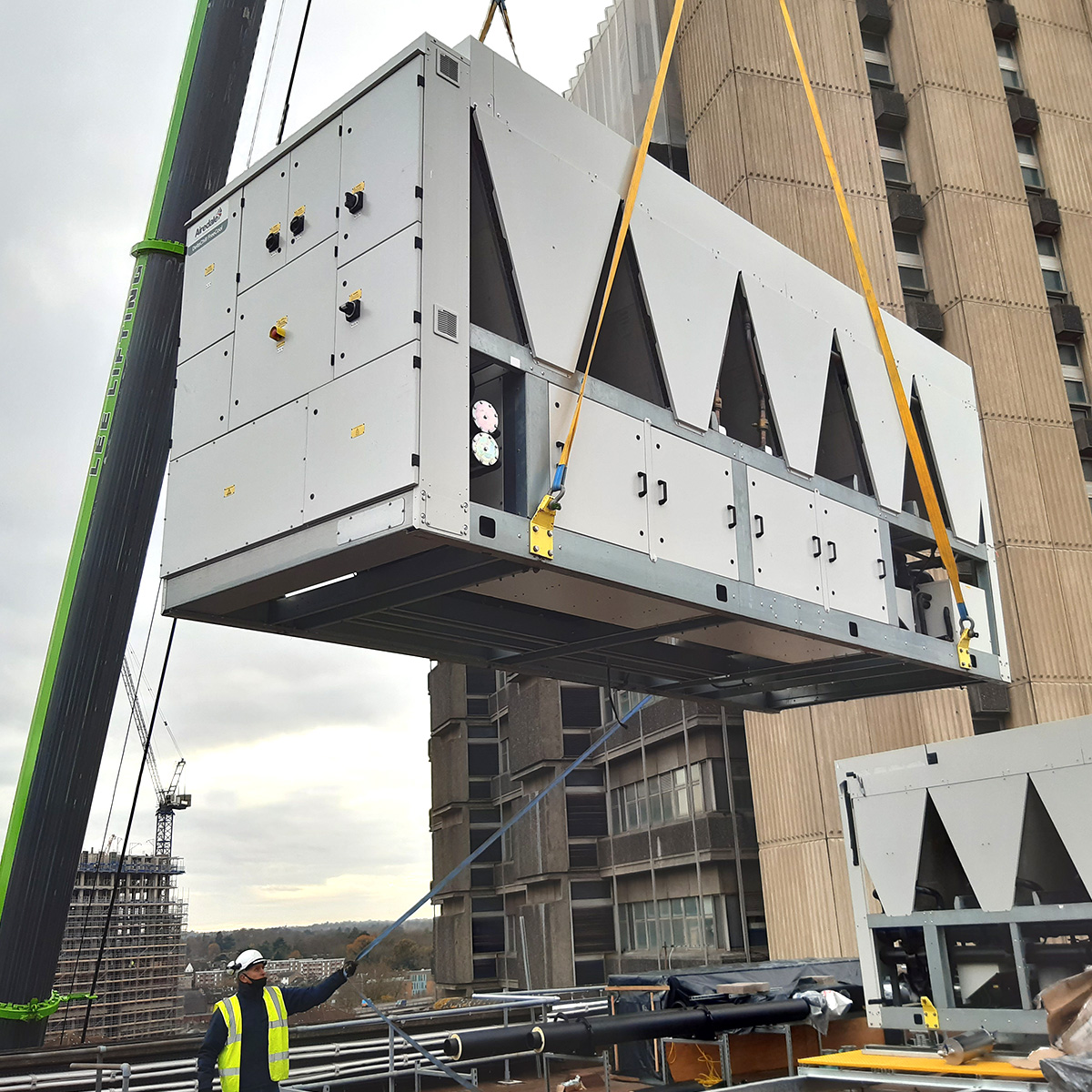 Installation of new roof-mounted chillers